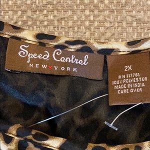 Full length cheetah dress. Size 2x. Never worn!!!